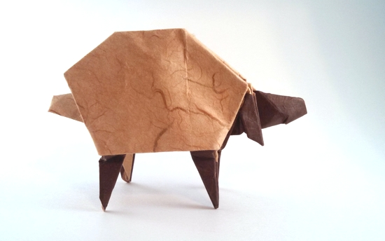 Origami Sheep by Eran Leiserowitz Folded from a square of double-sided mulberry paper by Gilad Aharoni on giladorigami.com