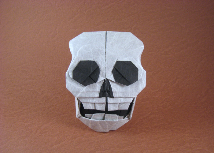 Origami Skull by Quentin Trollip folded by Gilad Aharoni