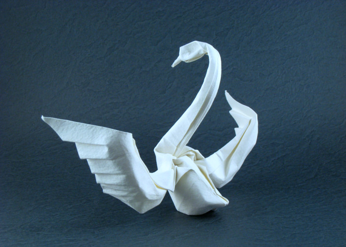 Origami Swan by Hoang Tien Quyet folded by Gilad Aharoni