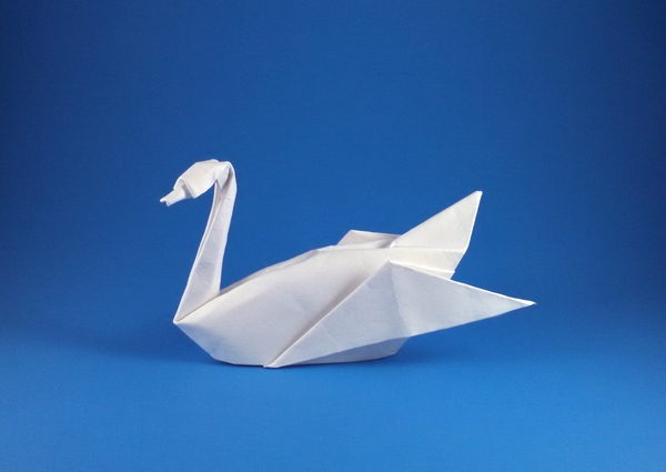 Origami Swan by Akira Yoshizawa Wet folded from a triangle of cardstock by Gilad Aharoni on giladorigami.com