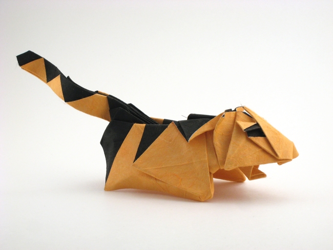 Origami Tiger by Kakami Hitoshi Folded from a square of double-sided mulberry paper by Gilad Aharoni on giladorigami.com