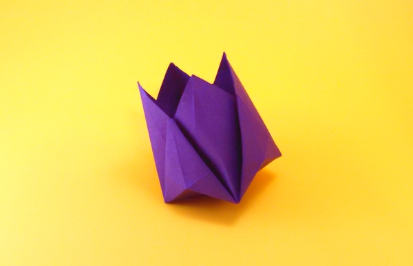 Origami Tulip for Betty by Michael G. LaFosse folded by Gilad Aharoni