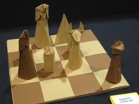 jeu d'échec en origami P_OUSA2008_EXN_Hulme_Chess3