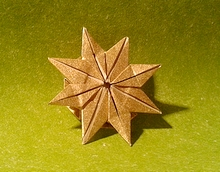 Origami 8 pointed star by Phillip Curl on giladorigami.com