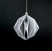 Origami Bauble by Traditional on giladorigami.com