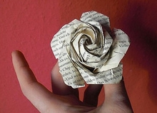 Origami Rose with base and leaves by Sato Naomiki on giladorigami.com