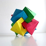 Origami 4 interlocking triangular prisms by Daniel Kwan on giladorigami.com