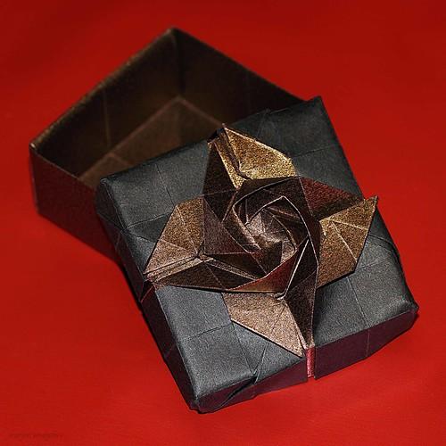 DIY Tutorial DIY Origami / DIY Origami Flower Box - Bead&Cord ... | 500x500