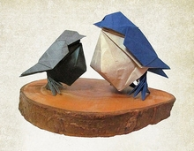 Origami Little bird by Hideo Komatsu on giladorigami.com