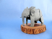 Origami African elephant by Nguyen Hung Cuong on giladorigami.com