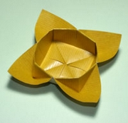 Origami Curly box by Traditional on giladorigami.com
