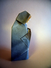 Origami Madonna and child by Eric Kenneway on giladorigami.com