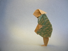 Origami Paddling woman by Eric Kenneway on giladorigami.com